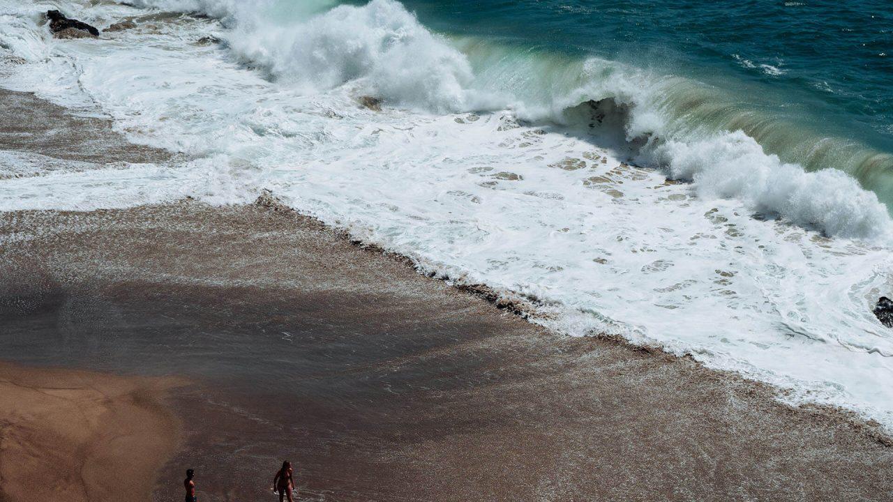 https://val.bold-themes.com/blue-demo/wp-content/uploads/sites/8/2018/04/beach_travel-1280x720.jpg