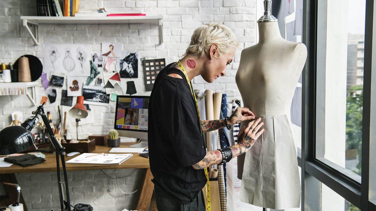 https://val.bold-themes.com/green-demo/wp-content/uploads/sites/12/2018/06/fashion_designer-1280x720.jpg