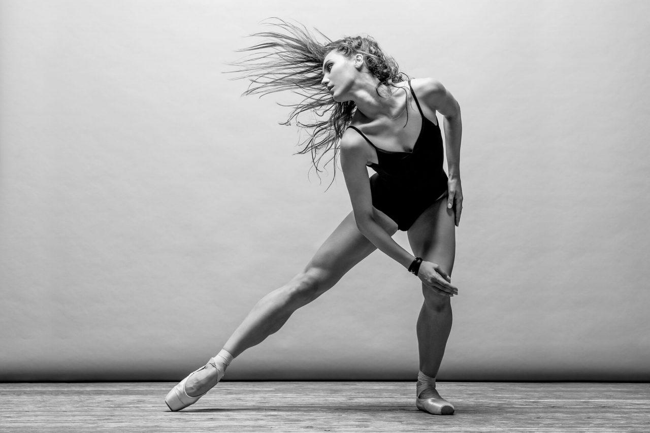 https://val.bold-themes.com/pink-demo/wp-content/uploads/sites/9/2018/06/ballet-1280x853.jpg