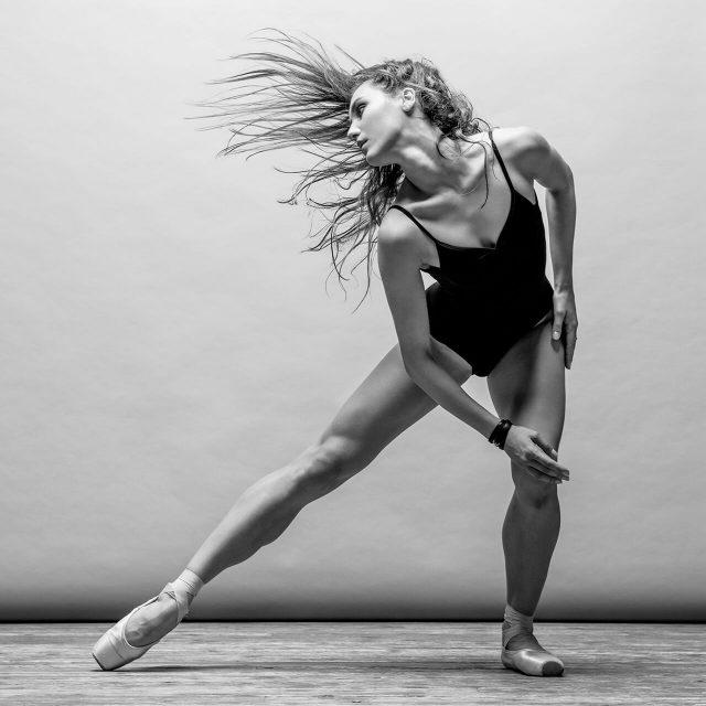 https://val.bold-themes.com/pink-demo/wp-content/uploads/sites/9/2018/06/ballet-640x640.jpg